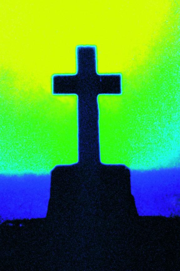 Aura croix menhir, île d'Hoëdic, Morbihan photo G. Le Cossec